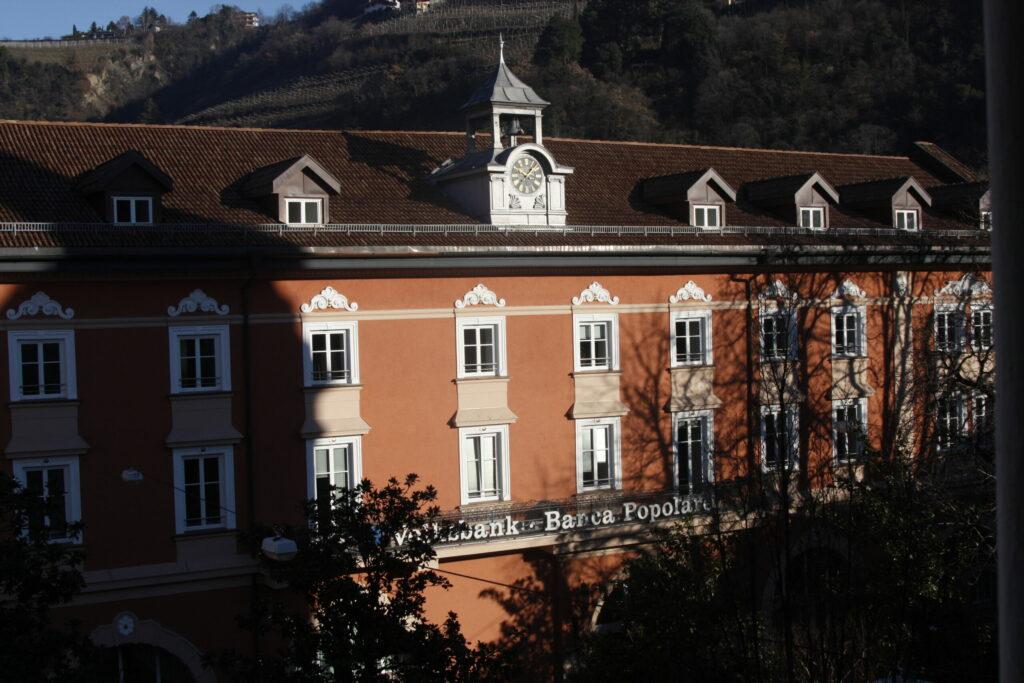(c) Frauenmuseum